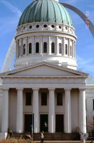 Old Courthouse/Jefferson National Expansion Memorial