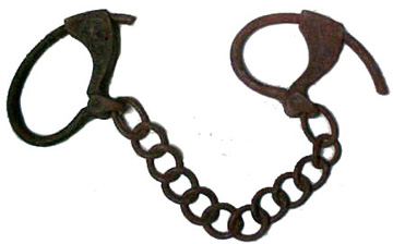Iron foot shackles